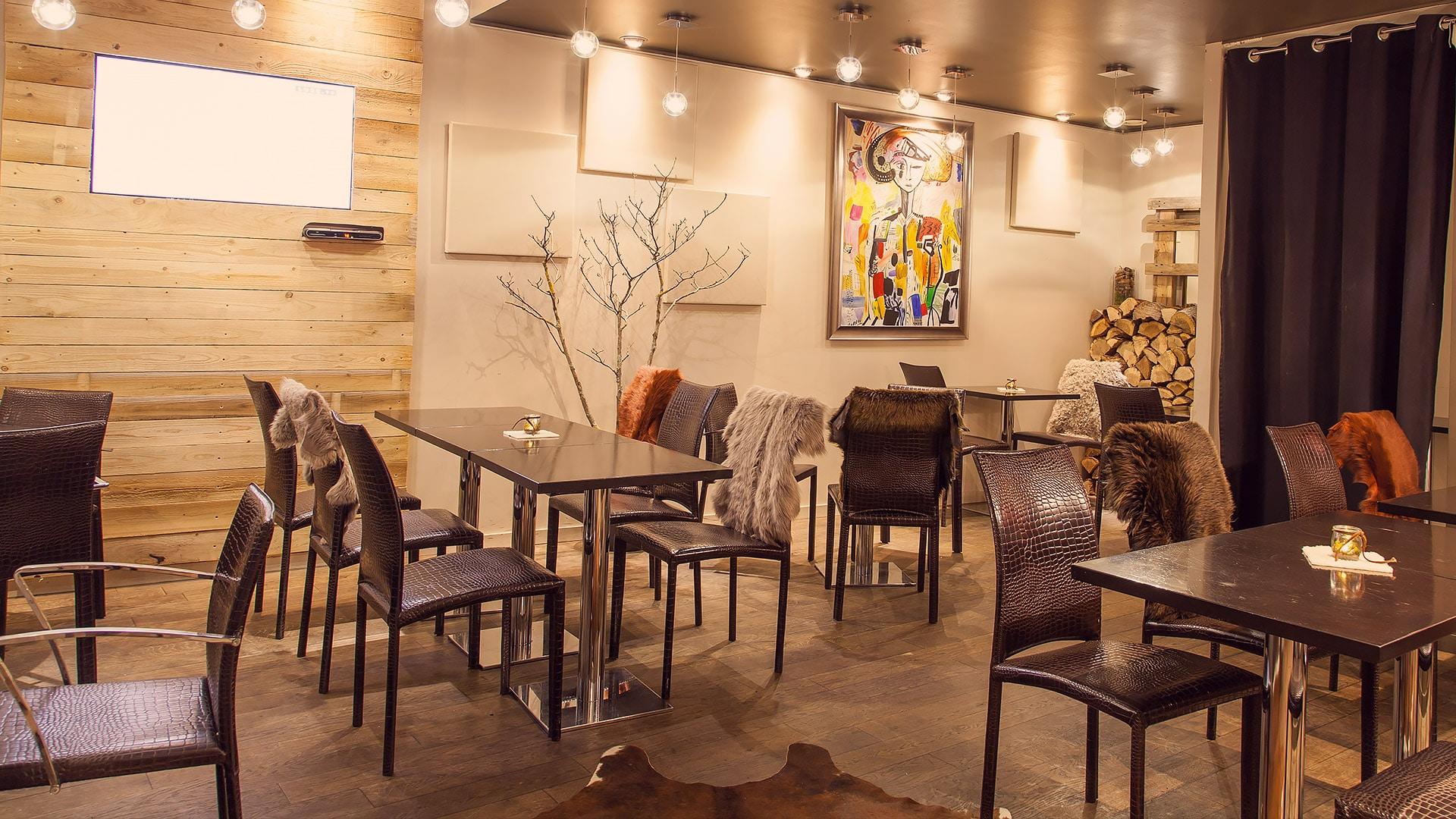 Restaurant le Chenavard Salle intérieur bas